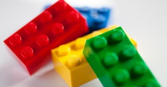 sony-i-lego-sozdaut-interaktivnie-detali-lego_1